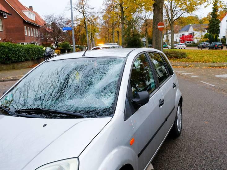 Fietsster gewond na aanrijding met auto in Eindhoven
