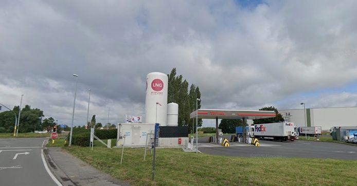 De overvaller sloeg toe in de shop van het Total-tankstation op de transportzone LAR in Rekkem.