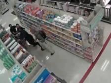 Ils refusent de porter des masques et se battent avec des agents de sécurité