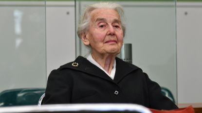 'Nazi-oma' (90) die Holocaust ontkent, moet in Duitse gevangenis blijven