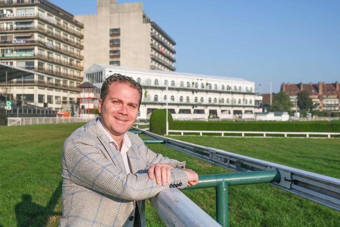 Kortrijkzaan Bram Vandewalle, de nieuwe ceo van Waregem Koerse, in de Gaverbeekhippodroom