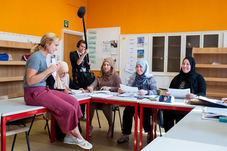 Ouders houden een toonmoment in basisschool Creatopia over het project Kaap+.