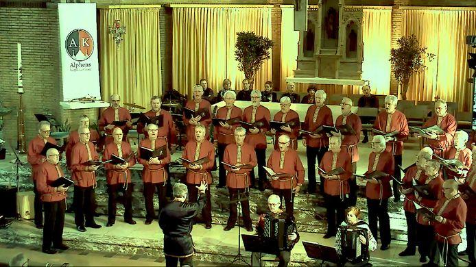 Het Alphens Kozakkenkoor bij een eerder optreden vorig jaar in de Bonifaciuskerk in Alphen.