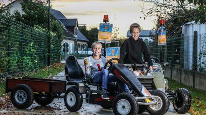 """Neefjes Lenn en Maurice zamelen met gocart geld in voor zieke Suzan (5): """"Want kindjes met kanker moeten ook leuke dingen kunnen doen"""""""