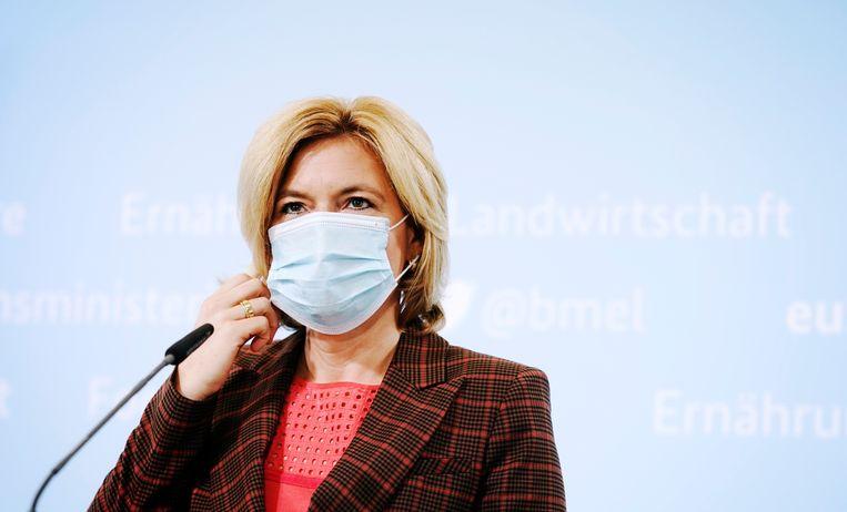 Landbouwminister Julia Klöckner tijdens een persconferentie donderdag in Berlijn. Beeld AP