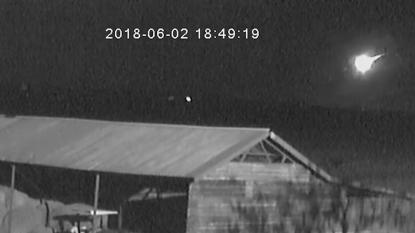 VIDEO: Meteoor zo groot als auto ontploft boven Botswana