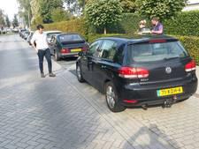 Doorrijden na beschadigen auto's in Almelo