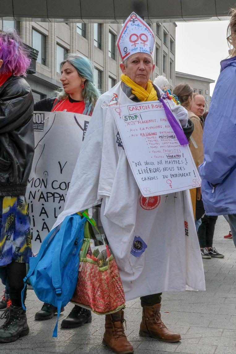 De feministische beweging Collecti.e.f 8 maars en haar aanhangsters voerden actie aan het Centraal Station.