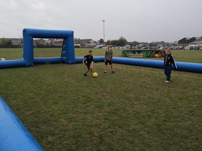 Ook voetballen behoorde tot de mogelijkheden.