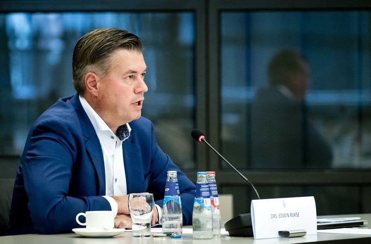 Edwin Rijkse uit Herwijnen sprak tijdens een rondetafelgesprek met Kamerleden over het militair radarstation dat volgens Defensie in Herwijnen moet komen. Beeld ANP/Sem van der Wal