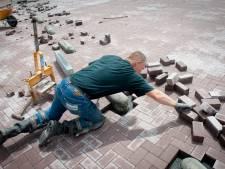 Voor duizenden euro's aan stratenmakers gereedschap uit zeecontainer gestolen in Almelo