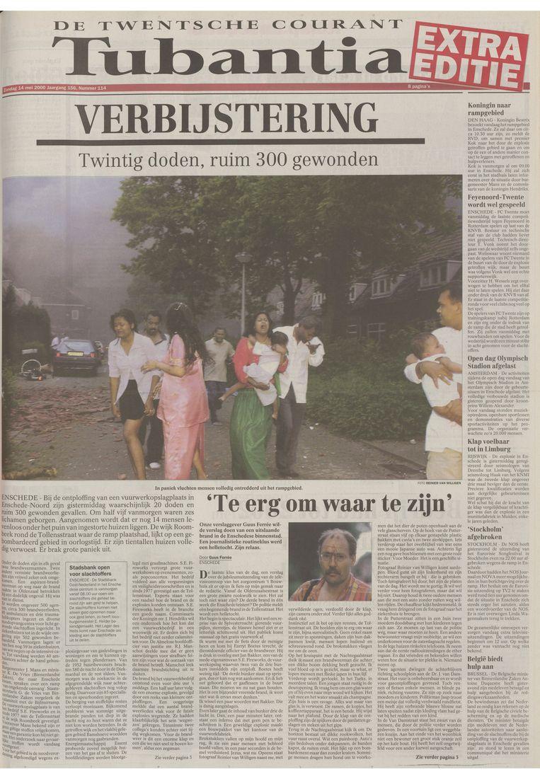 De extra editie van De Twentsche Courant Tubantia over de vuurwerkramp die op zondag 14 mei 2000 huis-aan-huis werd verspreid. Beeld