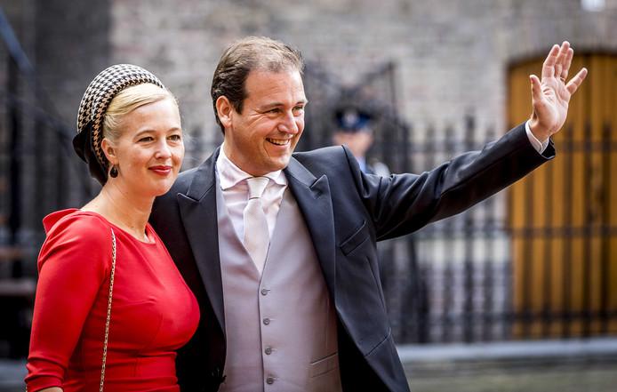 Asscher, hier met zijn vrouw op Prinsjesdag, zegt niet dat Samsom de beste PvdA-lijsttrekker is.