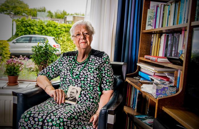 Bertha Bentfort-Stapenséa is de dochter van dokter Stapenséa.