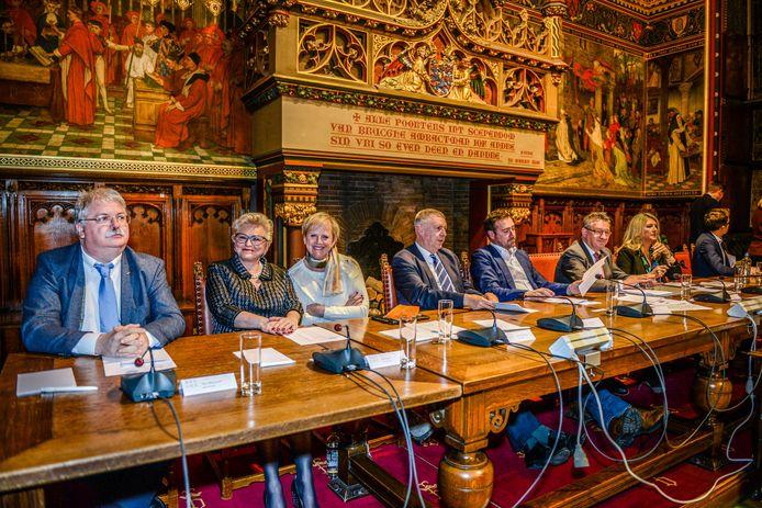 De Brugse gemeenteraad wordt in oktober met anderhalf uur vervroegd.