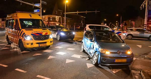 Vrouw gewond bij ongeluk op Ringbaan-West in Tilburg.