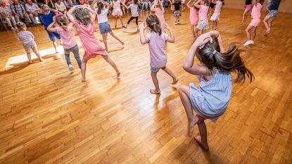 Kleuters dansen kriebelbeestjes van zich af bij dansschool Induce