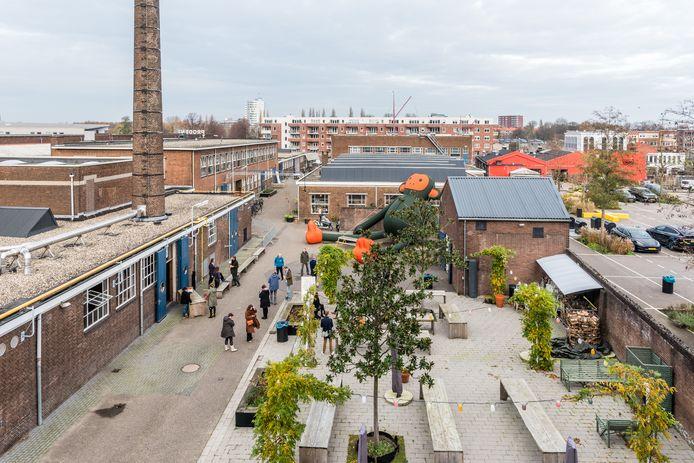De vroegere Prodentfabriek, waar een grote diversiteit aan bedrijven en instellingen is gevestigd.