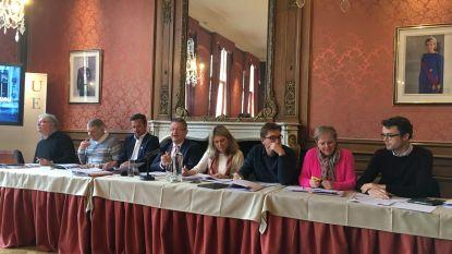 """Oppositie reageert: """"Beleidsprogramma lijkt wel een cataloog van 3 Suisses"""""""