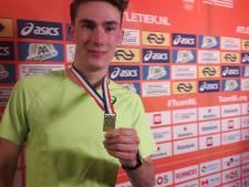 Junior Robin van Riel spurt naar het goud op NK 1500 meter voor senioren