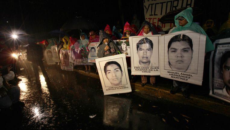 Familieleden van de 43 vermiste studenten hielden woensdag een kerstprotest.
