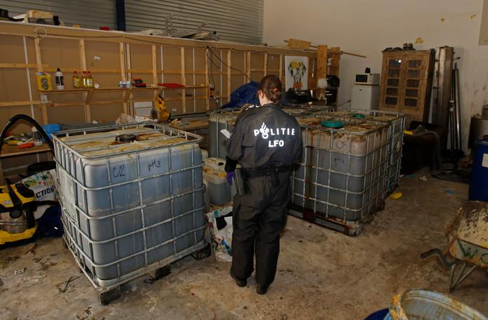 De politie heeft donderdag 8 november een drugslab opgerold in Sliedrecht. In een pand aan de Leemansstraat werd vermoedelijk amfetamine geproduceerd.