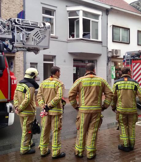 Bewoner naar het ziekenhuis na matrasbrand in de Wetstraat