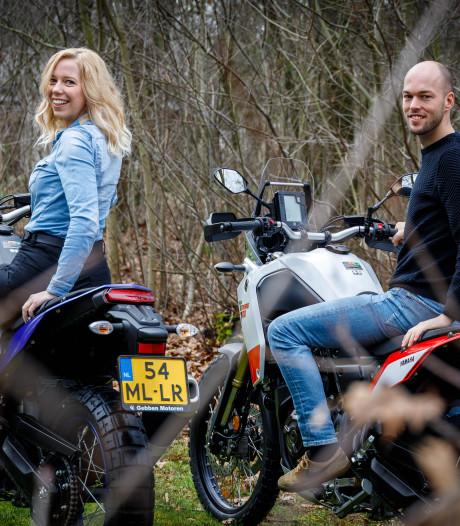 Jessica en Maarten zeggen hun baan op voor ultieme motorrit: 'Het scheelt dat het leven in Afrika niet zo duur is'