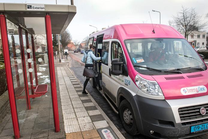 Een busje van BrengFlex.