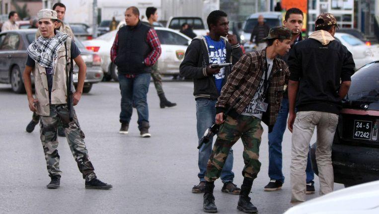 Jongeren in Tripoli, vandaag. Beeld afp
