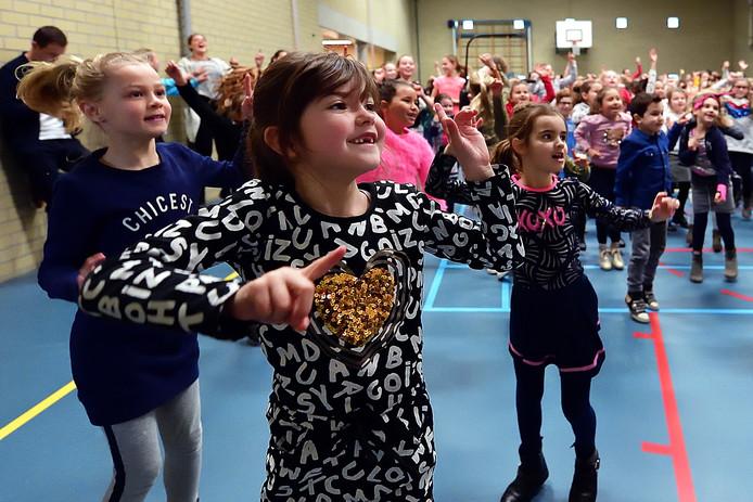 roosendaal - 20190311 - pix4profs/petervantrijen.kick off van de week gezonde jeugd op bs de wending..bewegen in de gymzaal op de school met ingrid jansen