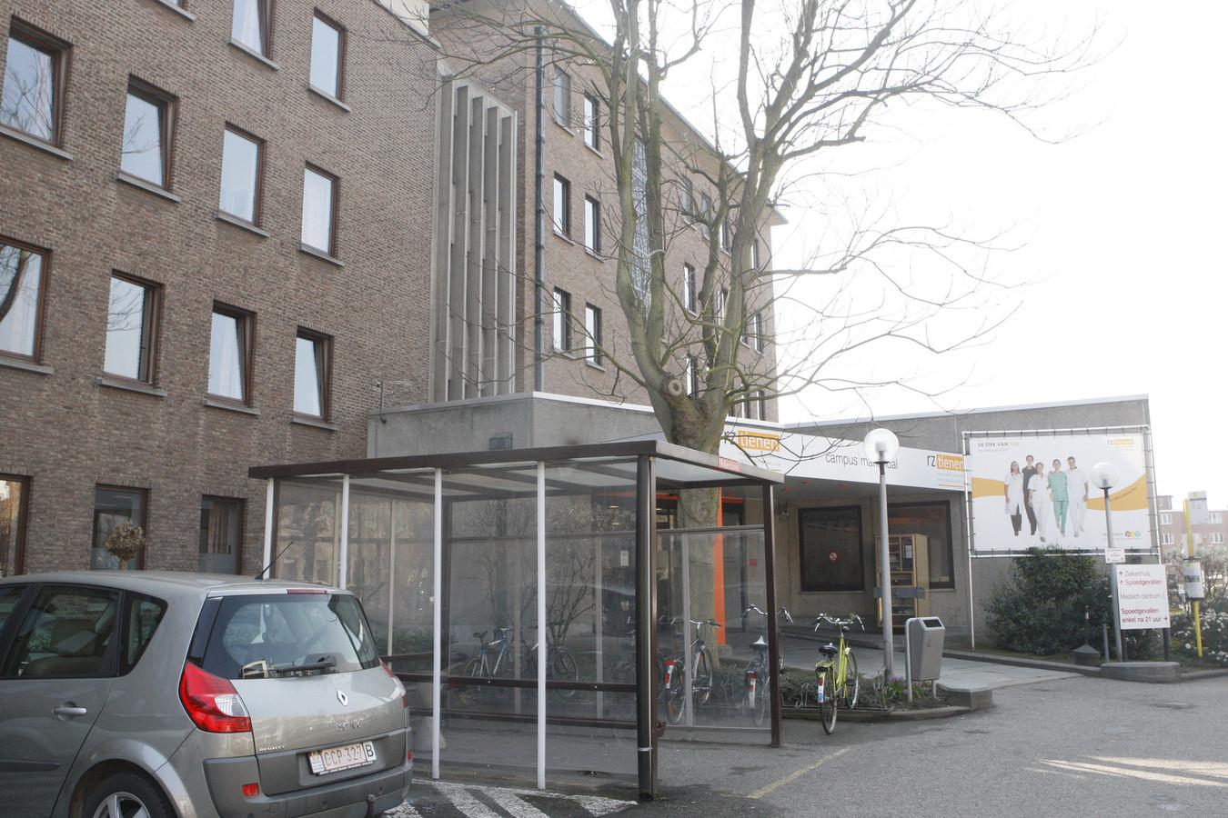 Het Regionaal Ziekenhuis Heilig Hart, campus Mariëndal, blijft voorlopig gevestigd langs de Kliniekstraat. Mogelijk komt er een centraal ziekenhuis aan Campus Sint-Jan aan de Vesten.