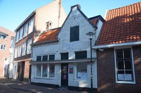 De voormalige bar-dancing In den Poortwal was het Amersfoortse decor van een optreden van Dexter Gordon, waarvan opnamen bewaard zijn.