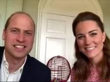 Kate et William jouent au bingo avec les pensionnaires d'une maison de retraite