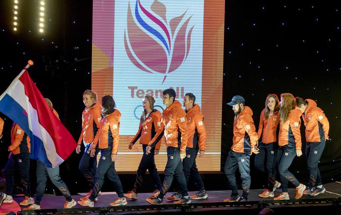 Het Olympisch Team tijdens de teamoverdracht van Olympic en Paralympic TeamNL voor de Olympische Spelen van Pyeongchang.