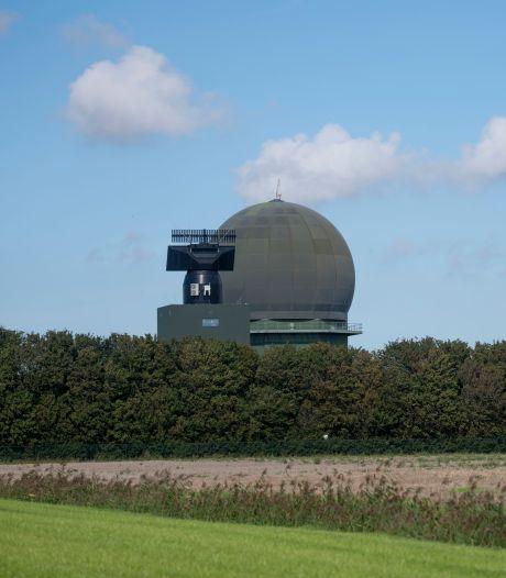 Radar die Defensie in Herwijnen wil plaatsen maakt in Friesland te veel herrie: 'Hij moet 's nachts uit'