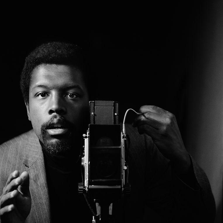Kwame Brathwaite, zelfportret, African Jazz-Art Society & Studios (AJASS), Harlem, rond 1964.  Beeld Kwame Brathwaite / Philip Martin Gallery Los Angeles