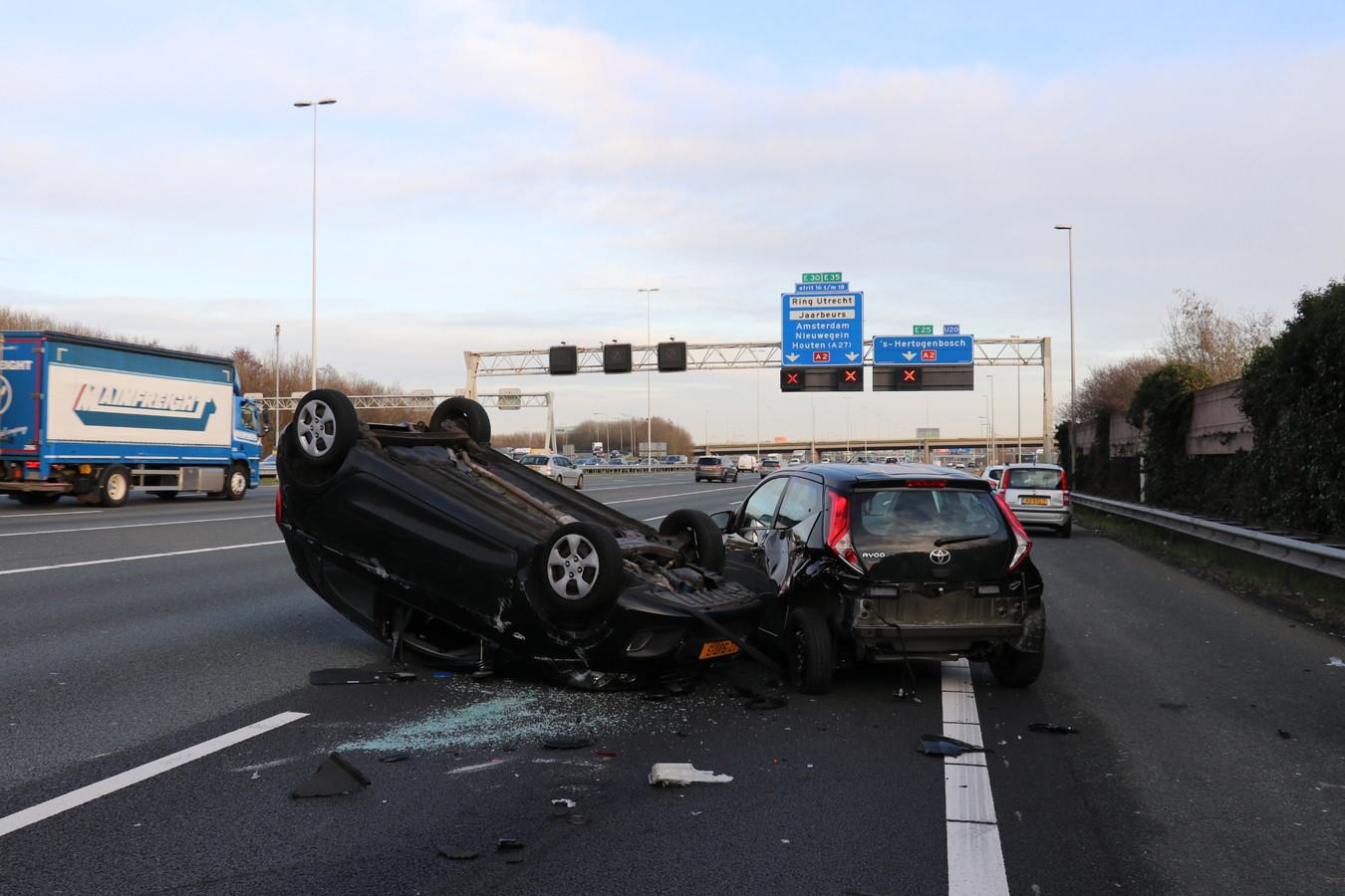Ongeluk op de A12 bij Oudenrijn.