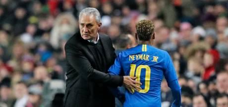 Fluitconcertje voor Neymar na vroege aftocht tegen Kameroen