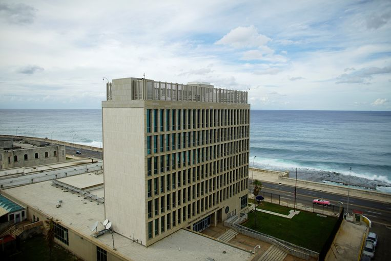 A view of the U.S. Embassy in Havana, Cuba, October 5, 2017. REUTERS/Alexandre Meneghini