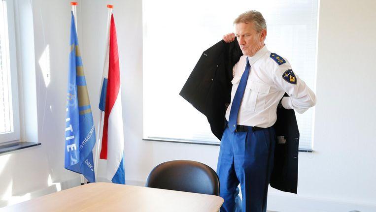 Oud-korpschef van de Nationale Politie Gerard Bouman bij het aankondigen van zijn vertrek Beeld anp