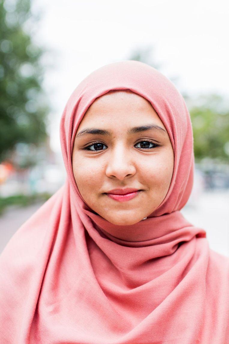 Atica Riaz (18), zit bij de Islamitische Studentenvereniging Amsterdam Beeld Jesper Boot