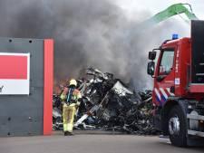 Zeer grote brand Nijmegen is uit: 'Er kan nog stankoverlast zijn'
