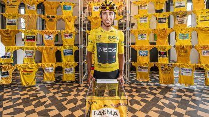 IN BEELD. Tourwinnaar Bernal vult tijdelijke expo KOERS eventjes aan met 52e gele trui