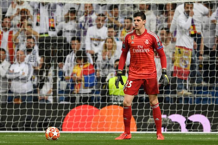 Thibaut Courtois op doel tegen Ajax.