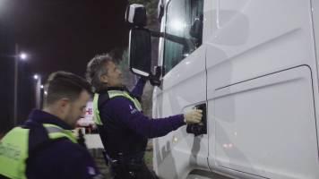 Grote middelen worden ingezet om trucker wakker te krijgen