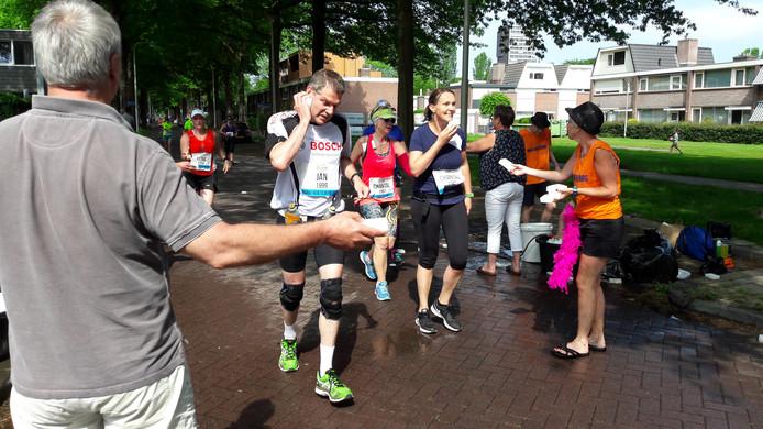 Lopers tijdens de eerste editie van de marathon van Tilburg in 2017.