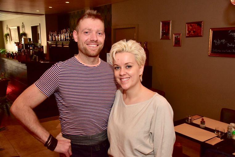 Andy Cool en Jill De Coussemaker in hun restaurant 'Le Petit Jardin'. Deze middag openen ze opnieuw de deuren.