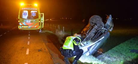 Auto in greppel Klarenbeek,  bestuurder gewond