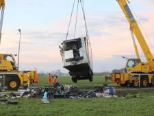 Chauffeur (63) overlijdt door ongeval waarbij zijn vrachtwagen kantelt